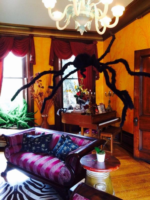 Halloween Parlor